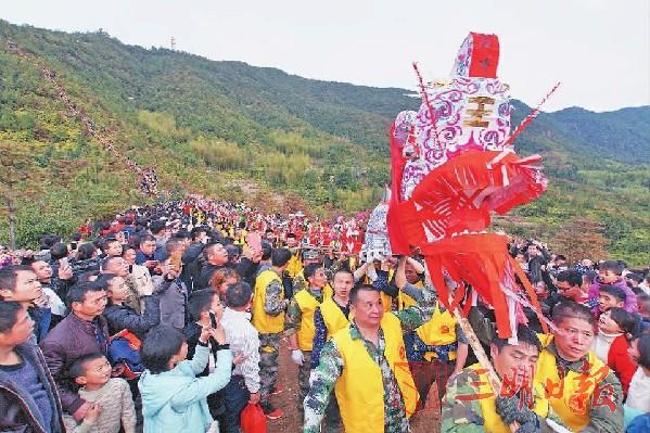 清流:拔龙贺新春 期盼丰收年